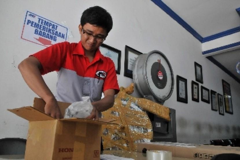 Harga Ongkir Paket JNE Jakarta Makassar